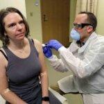 Vacuna china contra Covid-19 parece ser segura, revelan pruebas