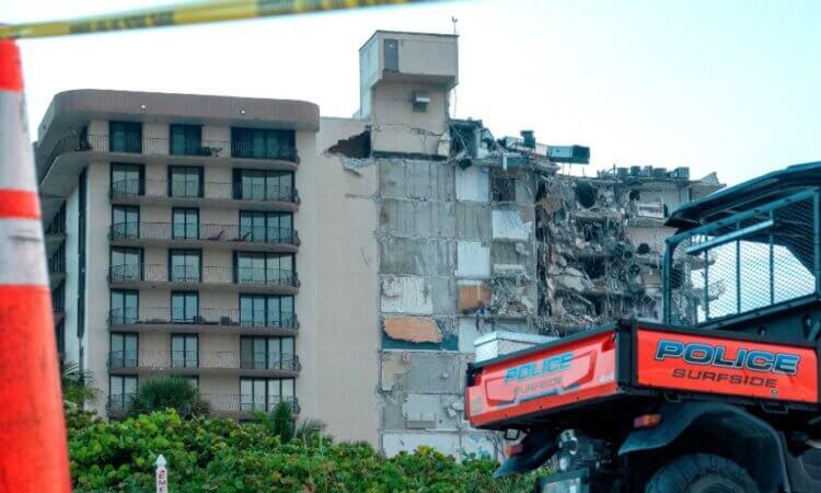 Al menos un muerto al derrumbarse edificio de apartamentos en Miami