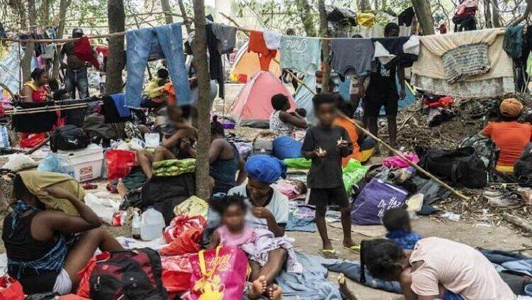 Miles de migrantes haitianos se desplazan por 7 estados